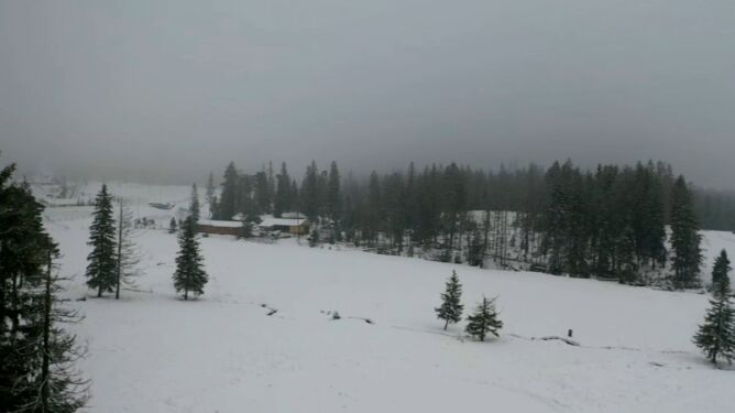 """Oblodzone szlaki w Tatrach. """"Warunki są na prawdę wymagające"""""""